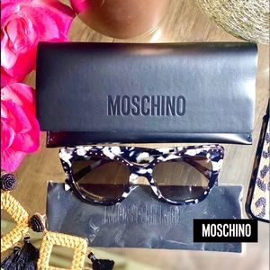 🆕AUTHENTIC MOSCHINO STUDDED SUNGLASSES🆕